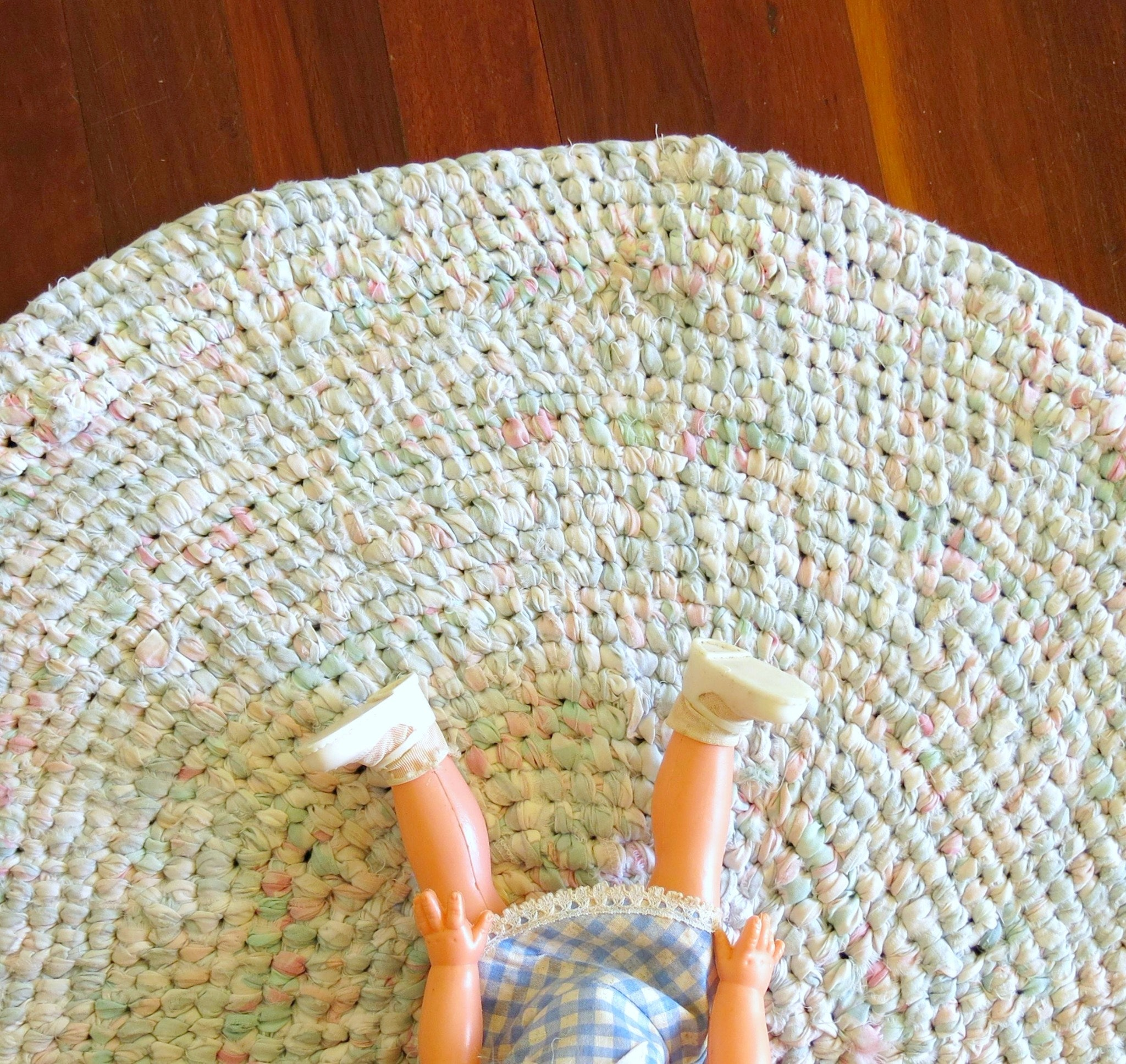 Rag Rugs With The Sewloist