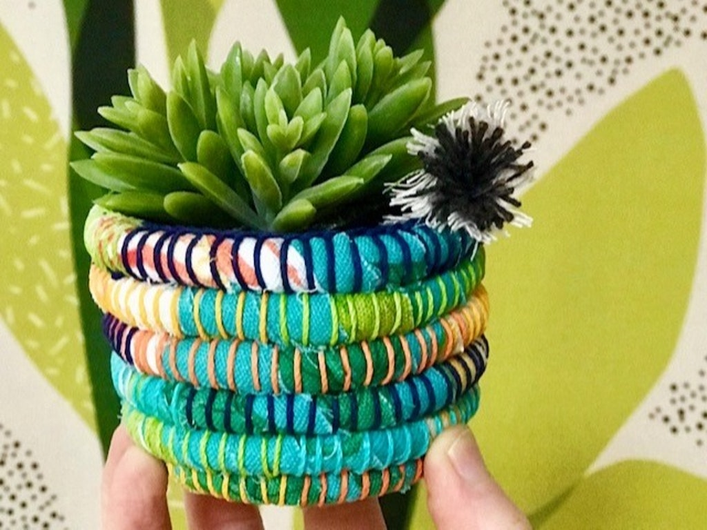 Small succulent pot 01
