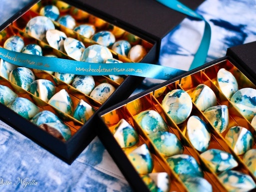 Shibori-Inspired Moulded Chocolates Class at Celebration Cooking