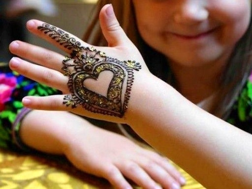 Henna Art for Tweens (9-12yo) with At The Corner (Photo Credit to Pinterest)